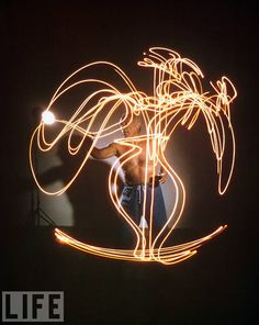 Pablo Picasso: Amazing Light Painting Images