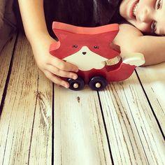Fox Wheelie ❤️ take 10% off with code take10 in our etsy shop. Link in bio ☺️ #waldorftoys #waldorftoystore #montessori #babybrandrep #montessorikids #loveit #woodentoys #toysforsale #babyfox #preschoollife #babygirl #babyboy #boystyle #boystuff #toysforboys #shopsmall #shoplocal #handmade #woodworking #toyshop