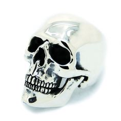 Anatomical Skull ring from The Great Frog, London - based on a real human skull excavated from a century Dutch monastery. (Got one today! It's awesome! Silver Skull Ring, Skull Rings, Rock Chick Style, Real Human Skull, Ring Bracelet, Ring Ring, Bracelets, Statement Rings, Mens Fashion