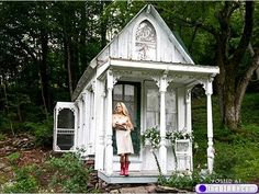 There are plenty of Victorian tiny houses which would make good inspiration for my future home on wheels creation.  >>Tiny houses: Who needs square footage anyway? (26 photos)