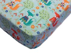 Fitted crib sheet fox - Baby bedding fox theme - Woodland nursery theme - Crib sheets - Changing pad cover