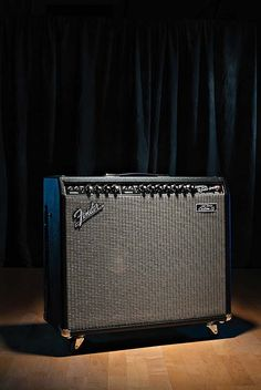 "Fender '65 Twin Custom™ 15  The '65 Twin Custom™ 15 is an all-tube combo amp that pairs an 85-watt reissue '65 Twin Reverb® chassis with an enlarged cabinet and single 15"" speaker instead of the usual pair of 12s. The Twin's vibrato, reverb and crystal clean tones are great as always, and the 15's extra-fat clear bottom end, smooth treble and high power handling are fantastic."