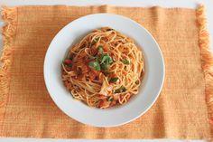 Spicy tomato and basil spaghetti