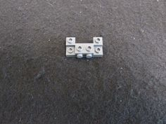 Modified 2 x 2 with Pin and Axle Hole White 20 NEW LEGO Brick