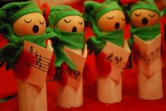 caroler ornaments..i could probably make something like this with wine corks?