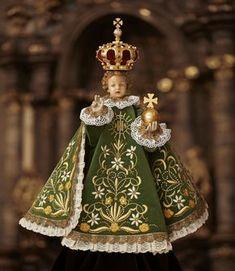 Pražské Jezulátko - Infant Jesus of Prague Catholic Prayers, Catholic Art, Catholic Saints, Religious Art, Religious Pictures, Jesus Pictures, Jesus Our Savior, Jesus Faith, Works Of Mercy