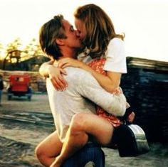 Genterie: Ryan Gosling and Rachel McAdams, The Notebook - Ryan Gosling Rachel Mcadams, Rachel Mcadams The Notebook, The Notebook 2004, Ryan Gosling The Notebook, The Notebook Scenes, Cute Couple Quotes, Best Love Stories, Love Story, Allie And Noah