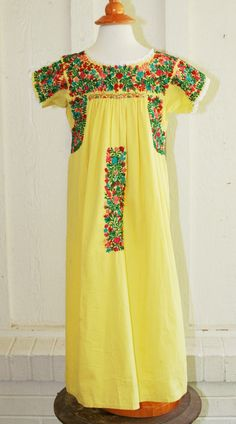 Vintage 1970s - Children's Oaxacan Embroidered Mexican Dress