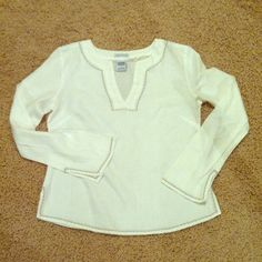Old navy 100% linen top Old navy 100% linen top.  Size S.  True to size.  Non-smoker.  No trade.  No paypal. Old Navy Tops