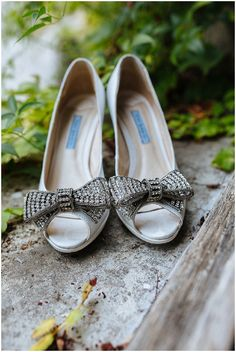 Silver bow bridal shoes / © James & Lianne Photography