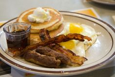16 Best Restaurant Chain Breakfasts in America///  Grand Slams baby!
