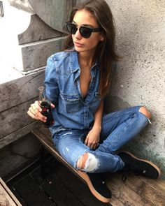 vanessa moe uploaded by ocean on We Heart It Cardigan Jeans, Denim Shirt With Jeans, Denim Skirt, Mom Jeans, Denim Blouse, Fall Outfits For Work, Edgy Outfits, Fashion Outfits, Style Fashion