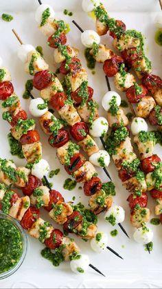Kabob Recipes, Grilling Recipes, Appetizer Recipes, Cooking Recipes, Caprese Appetizer, Skewer Appetizers, Fancy Appetizers, Barbecue Recipes, Barbecue Sauce