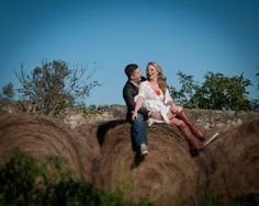 Engagement Shoot in rustic field in PA by Janet Lanza Photography | Done Brilliantly