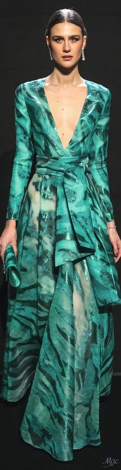 #Farbbberatung #Stilberatung #Farbenreich mit www.farben-reich.com Spring 2017 Haute Couture Loris Azzaro