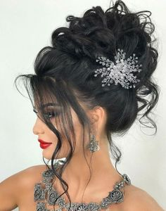 Pin by Imperiale Brand on Coafuri mireasa / accesorii par mireasa in 2020 Quince Hairstyles, Formal Hairstyles For Short Hair, Wedding Guest Hairstyles, Bun Hairstyles, Pretty Hairstyles, High Updo Wedding, Wedding Hair Up, Elegant Wedding Hair, Bridal Hair