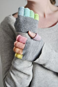 ed9a90f155c1 Rainbowmitts-005 (knit pattern in French) Tuto Mitaines, Mitaines Tricot,  Gant