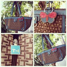 #bolsa  linda da #TommyHilfiger com detalhes em azul só 128,00! Aqui no #Brechó  #Camarim  #TodoDiaNovidade (em Brechó Camarim)