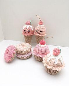 Crochet ice cream and sweets Crochet Cake, Crochet Food, Love Crochet, Crochet Crafts, Crochet Projects, Knit Crochet, Crochet Patterns Amigurumi, Amigurumi Doll, Crochet Dolls