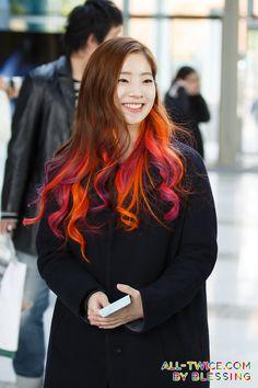 dedicated to female kpop idols. Girl Day, New Girl, Nayeon, Kpop Girl Groups, Kpop Girls, Daily Fashion, Girl Fashion, Girl Hair Colors, I Fancy You