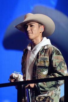TOP - MADE Tour in Shanghai (150620) Daesung, Gd Bigbang, Rapper, Top Choi Seung Hyun, G Dragon Top, Korean Boy, Best Kpop, Big Bang, Jiyong