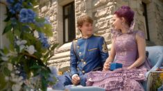 Descendants Mal And Ben, Descendants 2015, Mal And Evie, Decendants, Jessie, Snow White, Disney Princess, Couples, Disney Characters