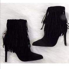 NWT ZARA LEATHER FRINGE ANKLE BOOTIE SIZE 6 BRAND NEW BLACK GENUINE LEATHER SUEDE FRINGE HIGH HEEL ANKLE BOOTIE SIZE 6 Zara Shoes Ankle Boots & Booties