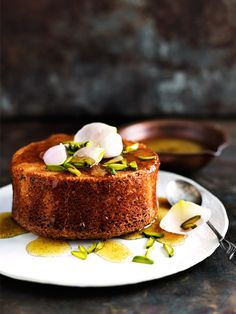 Donna Hay's pistachio and rosewater cakes are a beautiful sweet treat, perfect for a mother's day morning tea. Baking Recipes, Cake Recipes, Dessert Recipes, Donna Hay Recipes Baking, Mini Cakes, Cupcake Cakes, Cupcakes, Just Desserts, Delicious Desserts