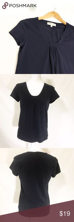 """Jones New York Navy Blue Basic Short Sleeve Tee Casual and comfortable short sleeve tee shirt from Jones New York. Material: 95% Cotton, 5% Spandex.   Size S   Measurements Armpit to armpit 17"""" Waist 16"""" Length 22""""   Condition New without tag. Jones New York Tops Tees - Short Sleeve"""