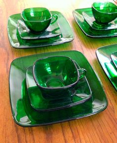 """Anchor Hocking - forest green """"Charm"""" square tableware"""