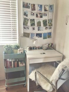 Awesome 20+ Cool Home Office Design Ideas For Small Apartment. # #HomeOfficeDesign #HomeOfficeDesignApartment