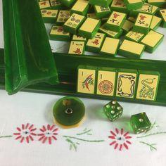 Jade Green Enrobed Enrobed Royal Depth Control Mahjong Set