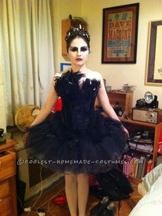 black swan costume for halloween blackswan halloweencostum costum halloween pinterest. Black Bedroom Furniture Sets. Home Design Ideas
