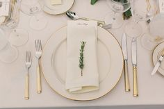 Elegant Ivory and Gold Place Setting | Carlie Statsky Photography | Classic Hollywood Chic Wedding in Carmel Valley