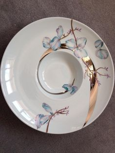 China Painting, Dinnerware, Decoration, Illustration Art, Doodles, Pottery, Hand Painted, Plates, Tableware