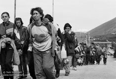 Tom Stoddart. Ethnic Cleansing in Kosovo