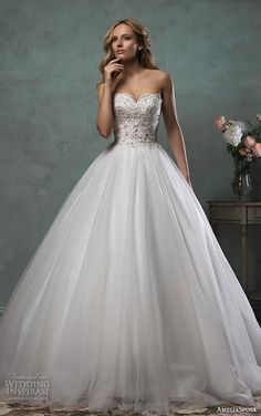 A-line wedding dresses_sweetheart neck bridal gowns_beaded wedding dress