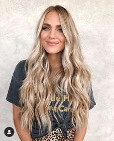 Just wanted to remind you guys that you are beautiful, chosen, & made for a purpose! I feel like so many of us girls can get so caught up… Neutral Blonde Hair, Blonde Hair Looks, Blonde Color, Hair Color, Blonde Hair For Cool Skin Tones, Blonde Long Hair, Cream Blonde Hair, Corte Y Color, Before Wedding