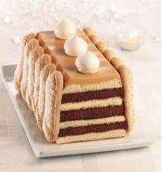 Pour le caramel au beurre salé :Faire chauffer doucement 40 cl de crème liquide.Mettre le sucre dans une grande casserole et faire chauffer à feu moyen jusqu'à ce qu'il soit bien doré. Hors du feu, verser la crème dans le sucre cuit puis terminer ...