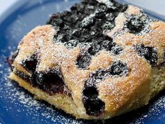 Helppo mustikkapiirakka Second Breakfast, Sweet Bakery, Sweet Pastries, Blue Berry Muffins, Fun Desserts, Dessert Ideas, Baked Goods, Baking Recipes, Cravings