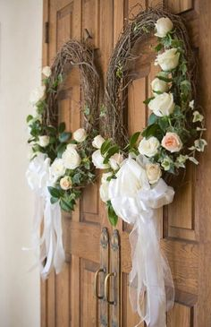 Elegant wedding ceremony decor idea - wreath on wedding ceremony doors {Blaine Siesser Photography} Church Wedding Flowers, Wedding Wreaths, Wedding Ceremony Decorations, Fall Wedding, Floral Wedding, Wedding Bouquets, Rustic Wedding, Trendy Wedding, Church Decorations