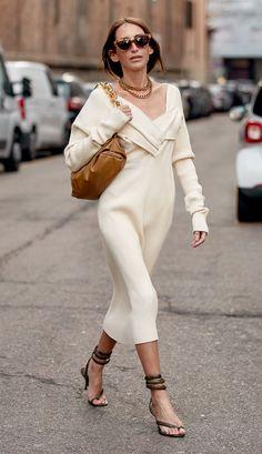 5 Versatile Day-to-Night Fashion Essentials Look Fashion, Winter Fashion, Fashion Outfits, Womens Fashion, Fashion Trends, Runway Fashion, Street Chic, Street Wear, Paris Street