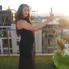 The gorgeous @mrslalamusic snapping a selfie in our #sachadrake Maddison Ruffle Dress and her flower crown by @aurora_crowns   For Rent. Head over to our website to book 👗👜💖 . . . . . . . . . #DressRental#Fashion #DressHire #SchoolBall#Perth#DesignerDressHire #HireDresses#DressHireAu #RentADress #SchoolFormal #DressRentalAu#Australia #Stylist #PerthFashion #FashionBlogger #PlusSizeFashion #HireFashion#DressHireAustralia #PregnancyFashion #PerthIsOk#DressRentalAustralia…