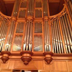 Pipe Organ in Izumi Hall (Osaka)