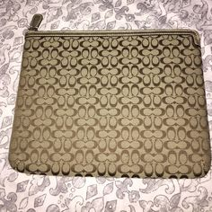 Coach tablet case Coach tablet zipper case. Used for traveling with ipad mini. Great condition. Fits up to an ipad air. Coach Accessories Tablet Cases