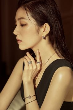 Red Velvet Irene for Damiani's Belle Epoque Collection Anniversary. Seulgi, Kpop Girl Groups, Kpop Girls, Red Velvet Photoshoot, Red Valvet, Red Velvet Irene, Belle Epoque, Cool Girl, Asian Girl