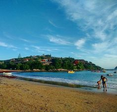 Praia da Ferradura Búzios - RJ #praiadaferradura #buzios #armaçãodosbúzios #buziostop #orlabardot #ruadaspedras #praiadocanto #praiadosossos #praiadatartaruga #regiaodoslagos #costadosol #riodejaneiro #brazil #brasil #tripadvisor #sol #verao2016 #mar #ferias #fotododia #blogmochilando #viajenaviagem #vivadeperto #mochileirostv #queroviajarmais #extraditadosa2 #viagem #travel #igersrj #igersbrasil by lzclaudiosantos