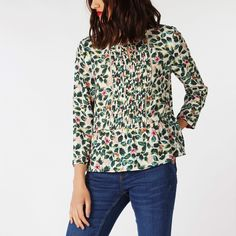 This is one of those tops you can pop on in a flash to pull any outfit together. In our Leaf print, it comes with a drop-waist style peplum and smart tucking detail on the bib front. Crepe Top, Drop Waist, Leaf Prints, Blouses, Pullover, Sweaters, Outfits, Tops, Women
