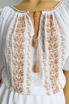 Ie Romaneasca Stela 2 - Chic Roumaine 8 Martie, Palestinian Embroidery, Peasant Blouse, Cross Stitching, Bridal Dresses, Diy And Crafts, Glamour, Costumes, Chic