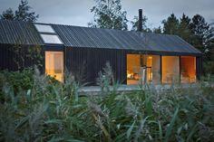 Black & Bright, maison de vacances danoise | Mademoiselle Cécile - Design, Décoration, Architecture